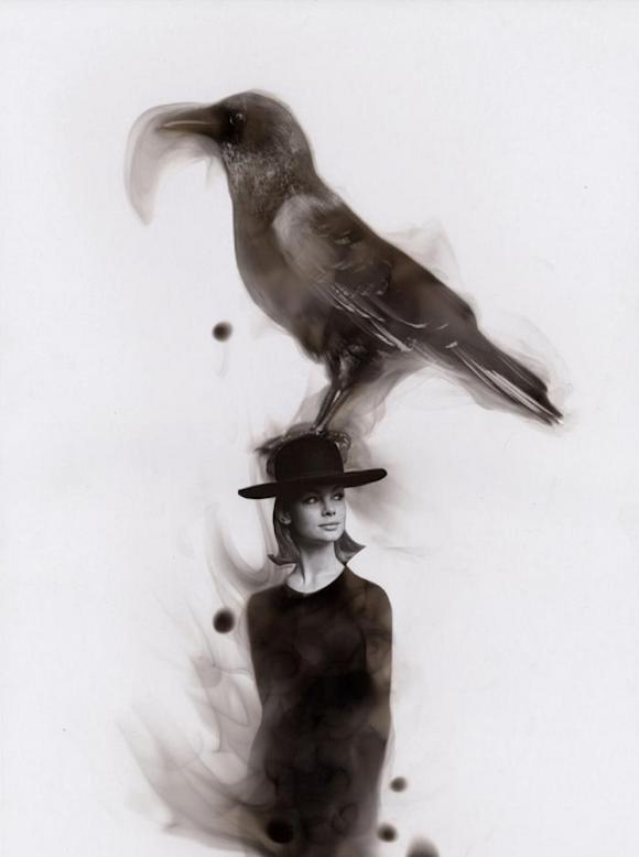 Как художники рисуют огнем - Стивен Спазук (Steven Spazuk): ворон на шляпе девушки