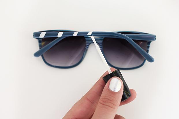 рисуем диагональные полоски на дужках солнцезащитных очков