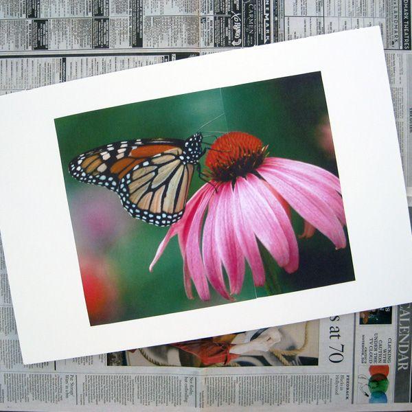 приклеиваем распечатанную фотографию в пенопласту