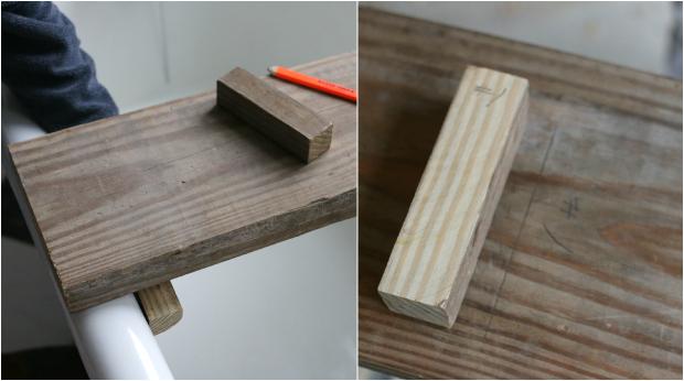 приложите нижние стопоры по очереди справа и слева внизу на доску; карандашом пометьте места, где стопоры должны располагаться
