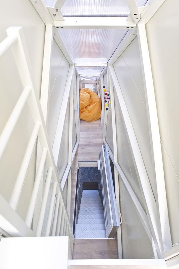 Как выглядит Топ-10 домов мира с самой экстравагантной планировкой - Самый узкий дом в мире