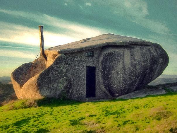 Как выглядит Топ-10+ домов мира с самой экстравагантной планировкой - дом в камне