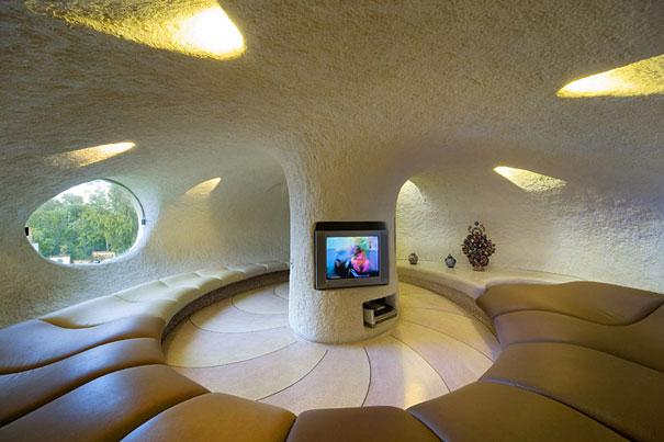 Как выглядит Топ-10+ домов мира с самой экстравагантной планировкой - Дом в гигантской раковине, гостиная