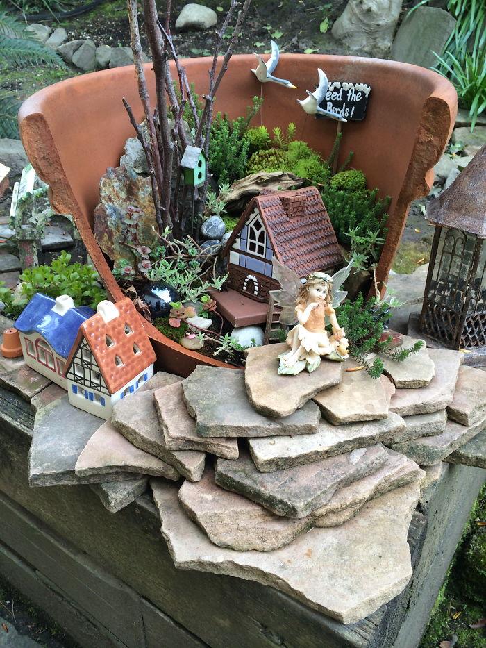 каменная лесенка-спуск перед садом фей