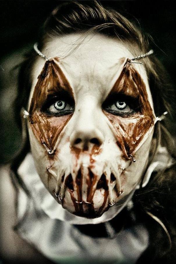 Как выглядит самый жуткий и мастерский Хэллоуинский макияж/грим - адская Коломбина