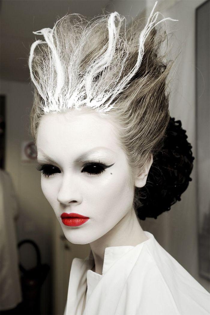 самый жуткий грим на Хэллоуин: НАСТОЯЩАЯ ледяная/снежная королева