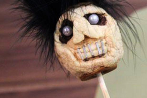 Как сделать сушеные головы из яблок на Хэллоуин