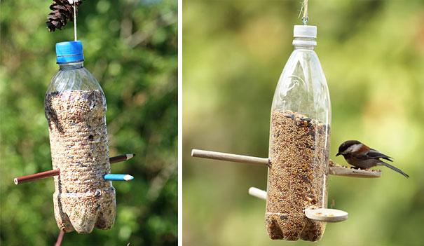 Продуманные кормушки для птиц из пластиковых бутылок