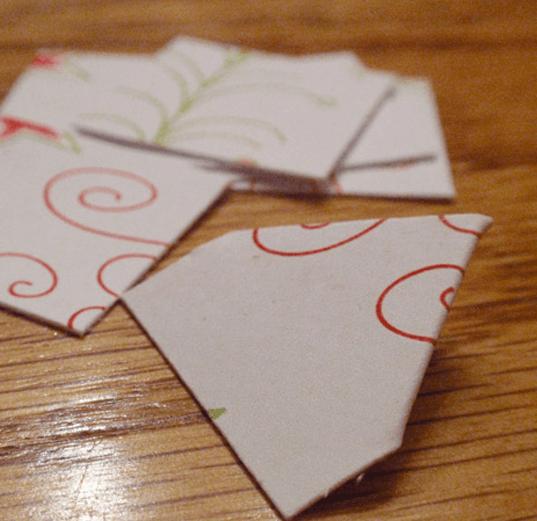 Как делать трендовые шишки из ткани и бумаги - работаем с бумагой: складываем треугольники