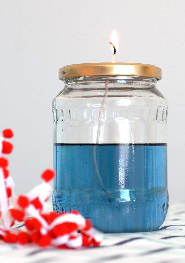 цветное масло и свеча из банки