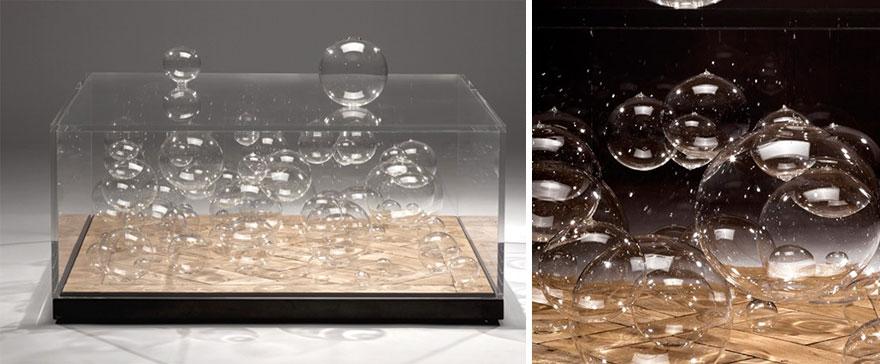Как выглядят самые необычные и креативные столы в мире - стол в пузырями внутри и снаружи