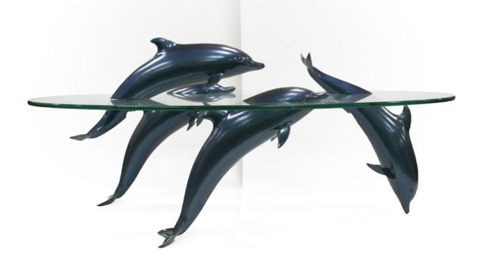Как выглядят самые необычные и креативные столы в мире - стол с дельфинами из линейки водных столов