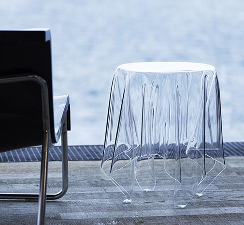 Как выглядят самые необычные и креативные столы в мире - стол-привидение