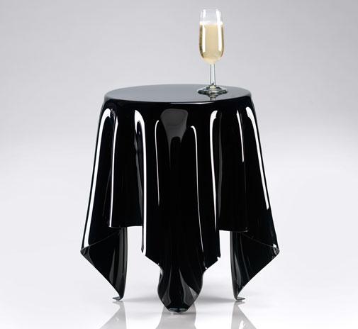 Как выглядят самые необычные и креативные столы в мире - стеклянный стол с из стекла, в виде стоячей скатерти