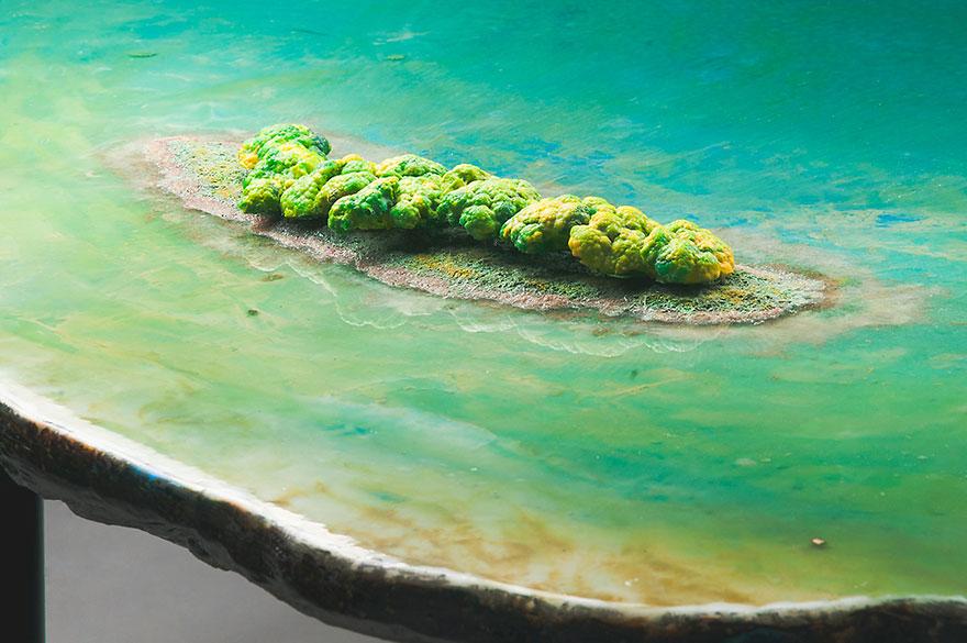Как выглядят самые необычные и креативные столы в мире - стол в виде залива