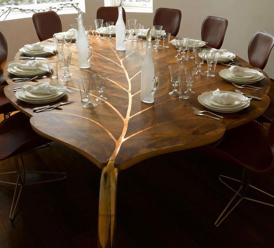 Как выглядят самые необычные и креативные столы в мире - стол в виде огромного листа