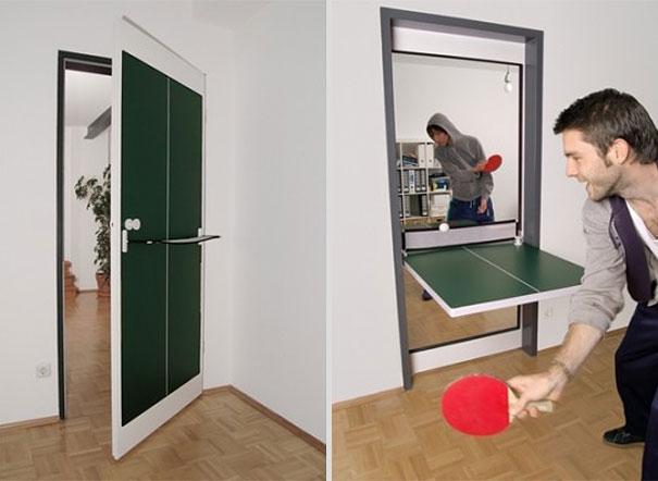 Как выглядят самые необычные и креативные столы в мире - дверь-стол для пинпонга