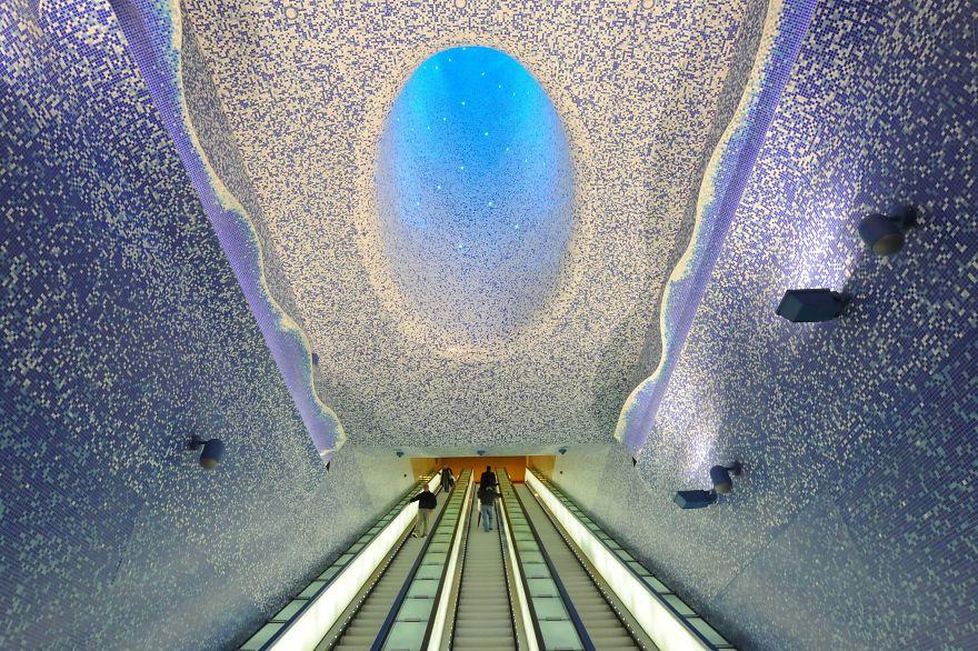 космическая метростанция «Толедо» - Неаполь, Италия