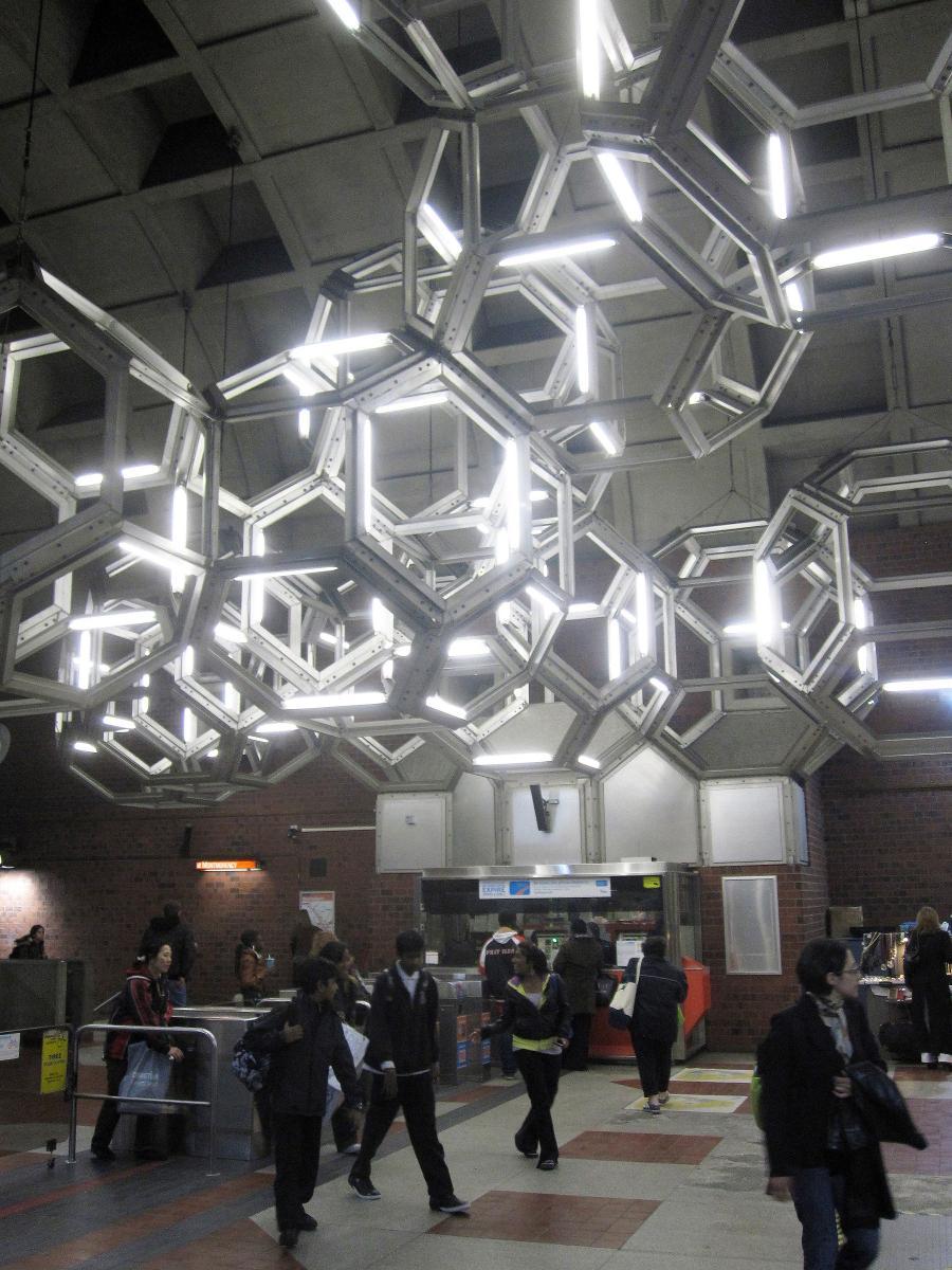 Метростанция «Намюр» - Монреаль, Канада