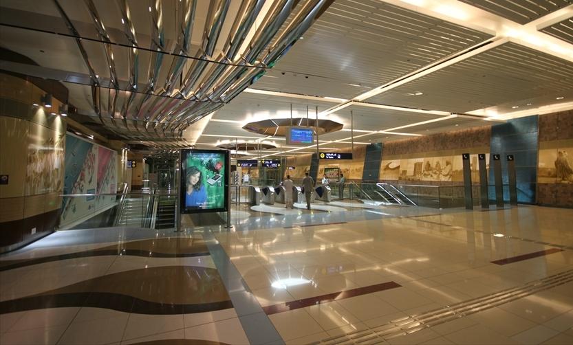 Станция метро в Дубаи, ОАЭ