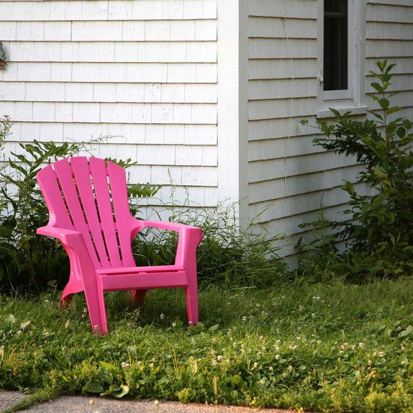 яркая садовая мебель кресло розовое