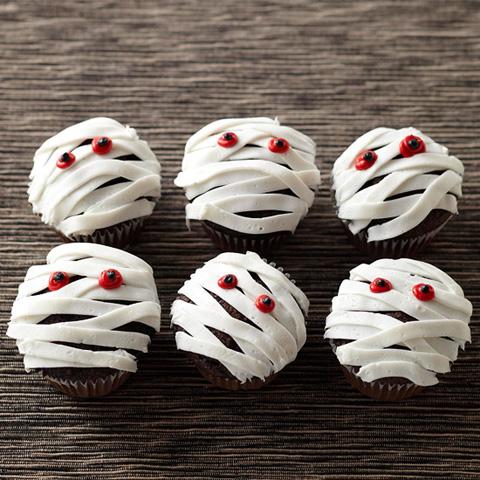 Как накрыть страшно вкусный стол на Хэллоуин: декорируем кексы/маффины/капкейки – мумии