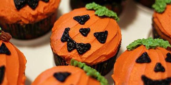 Как накрыть страшно вкусный стол на Хэллоуин: декорируем кексы/маффины/капкейки – самые разные тыквы