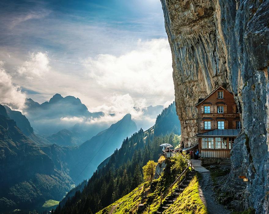 «Äscher Cliff», Швейцария - мини-гостиница у скалы