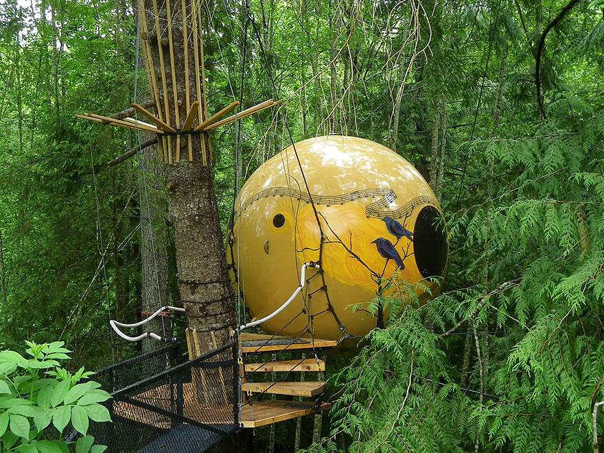 Отель «Сферы свободного духа» (Free Spirit Spheres), Канада