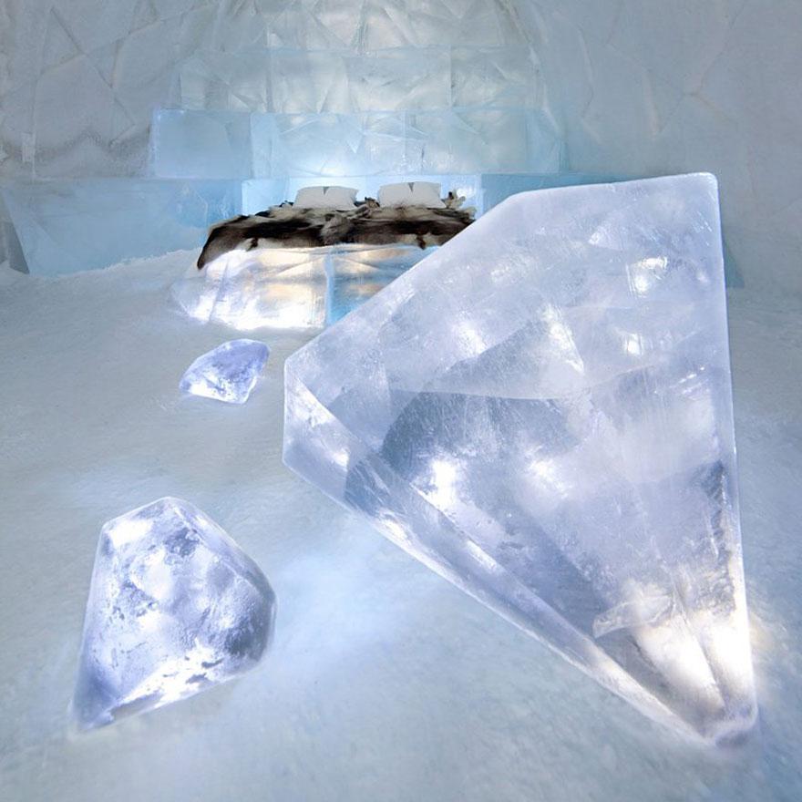 «Ледяной отель» (Ice Hotel), Юккасъярви, Швеция - номер из кубов льда
