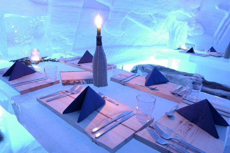 Отель Какслауттанен (Kakslauttanen), Финляндия - ледяной ресторан