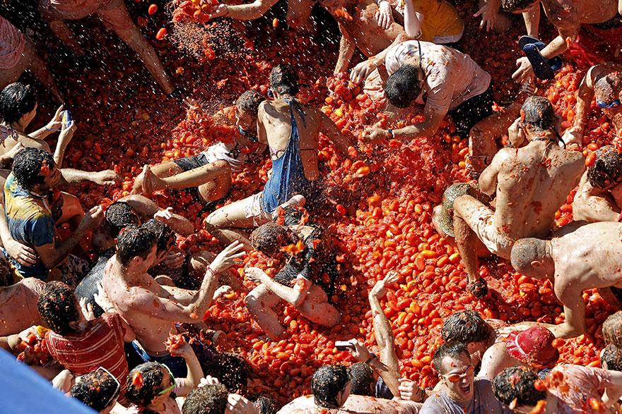 Фестиваль помидоров (или томатов, если грамотно) в Испании