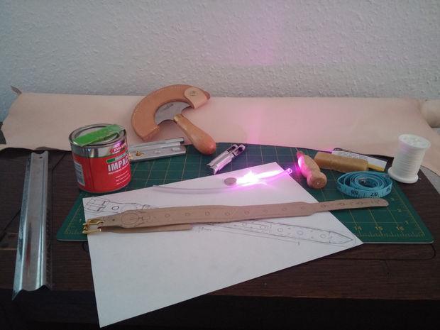 Исходные материалы для светящегося ошейника своими руками