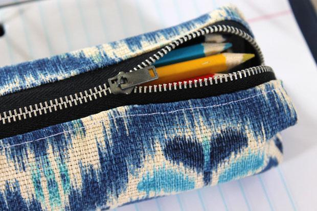 Как сшить объемный вместительный пенал из жесткой ткани
