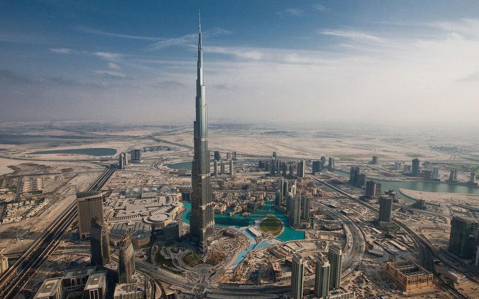 Самые страшные смотровые площадки мира: вид вниз из «окошек» с самой высокой башни в мире, башни Бурдж-Халифа в Дубаи