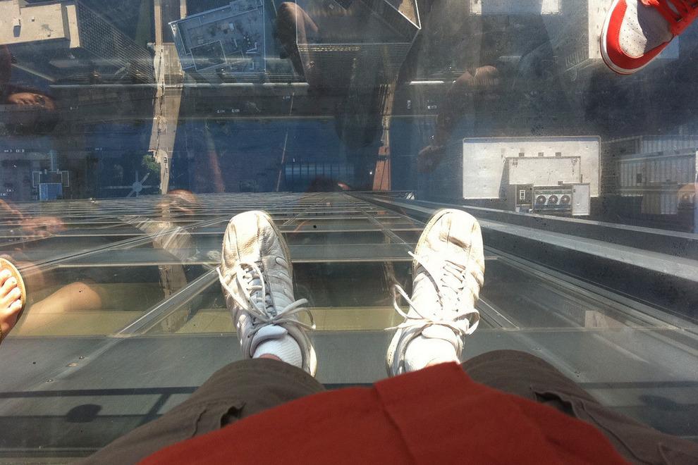Самые страшные смотровые площадки мира: Башня Уиллиса в Чикаго и ее «Небесный выступ»