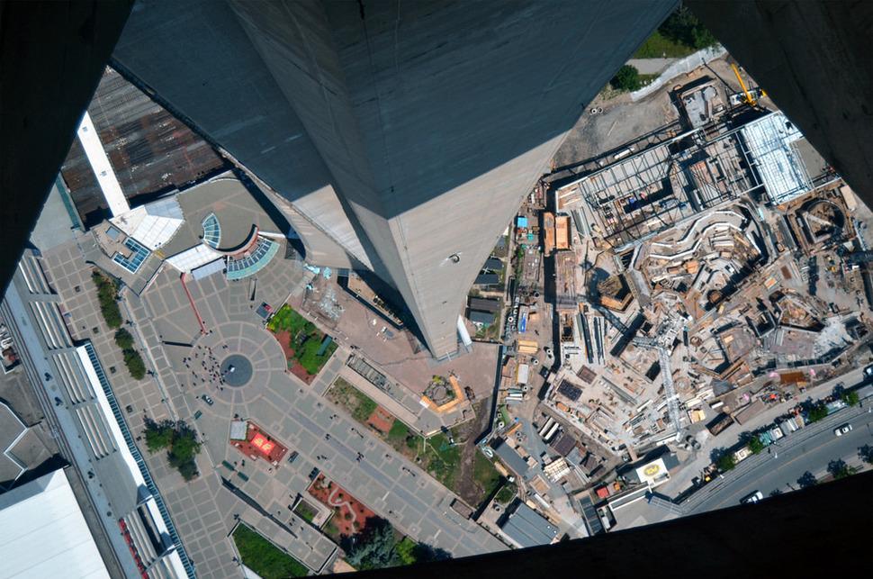 Самые страшные смотровые площадки мира: Канада с их башней СN в Торонто
