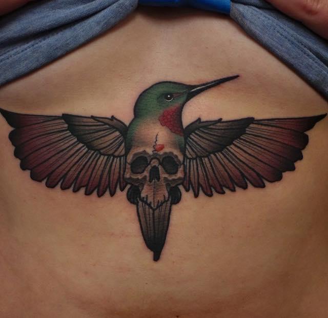 Как выглядят 15 самых популярных дизайнов татуировок за 2015 г. - татуировки под женской грудью