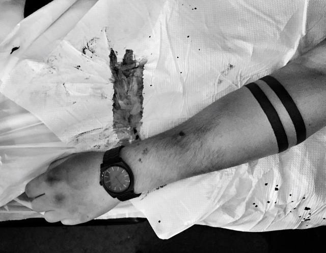Как выглядят 15 самых популярных дизайнов татуировок за 2015 г. - повязка на руке