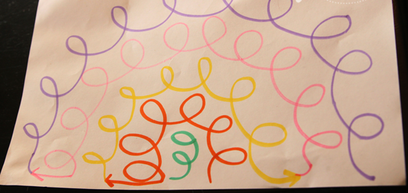 сделать скучную футболку креативной: схема для шитья ниткой-резинкой на машинке