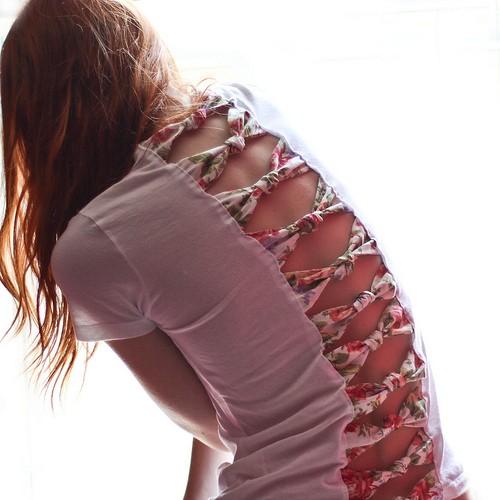 креативная переделка футболок: вставки из ткани в пустоты на спине