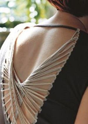 креативная переделка футболок: вставки из нитей в пустоты на спине