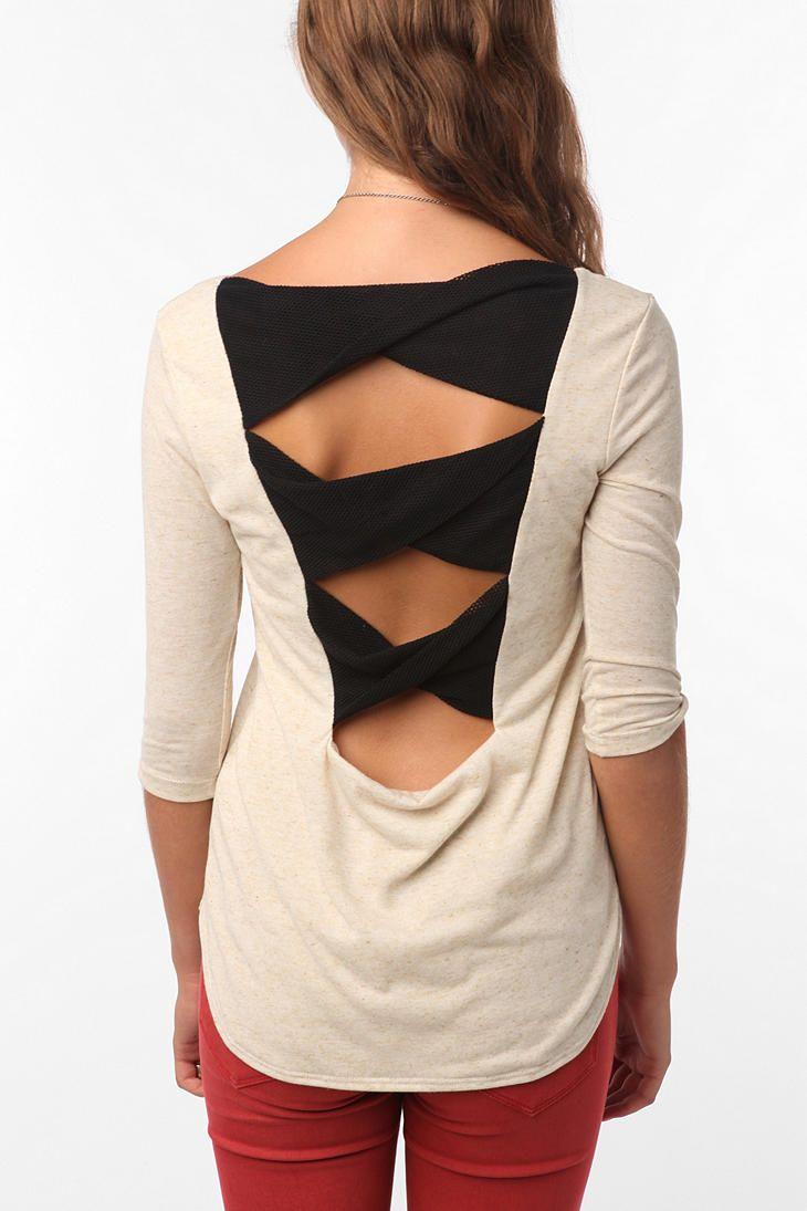 креативная переделка футболок: вставки из перекрученной ткани в пустоты на спине