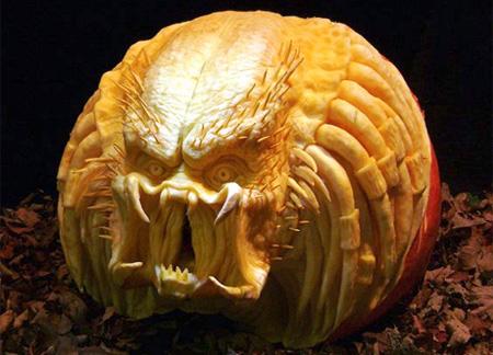 самые жуткие тыквы: голова Хищника из одноименного фильма