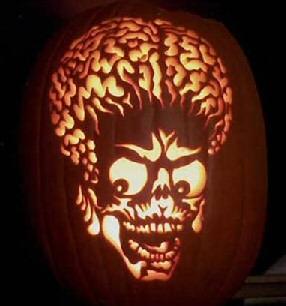 самые жуткие Хэллоуинские тыквы: голова инопланетянина из фильма Марс атакует!