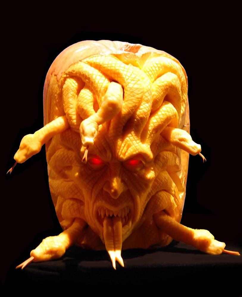 самые жуткие Хэллоуинские тыквы: Медуза-Горгона