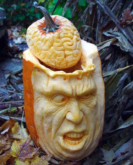 самые жуткие Хэллоуинские тыквы: голова с вынутым мозгом