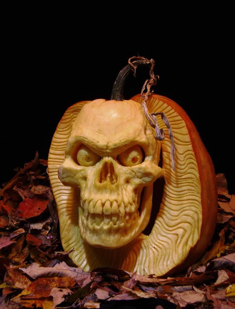 самые жуткие Хэллоуинские тыквы: череп