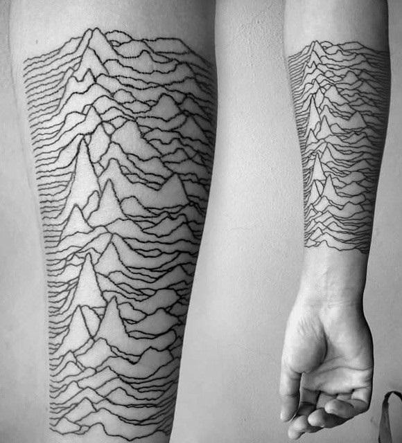 Самое свежее ответвление – вдохновленные природой татуировки, состоящие из тысяч крошечных точек и копирующие стиль научных зарисовок
