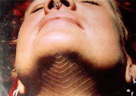 Как выглядят самые популярные направления современных татуировок - перманентные татуировки белыми чернилами - с темными тенями